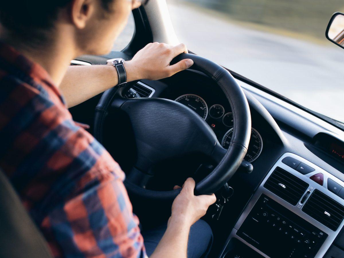 Jak wybrać dobrą wypożyczalnie samochodów?