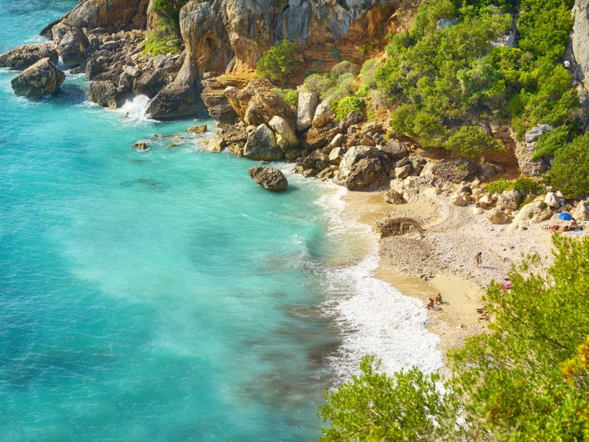Słoneczne wakacje — Bałtyk czy Morze Śródziemne?