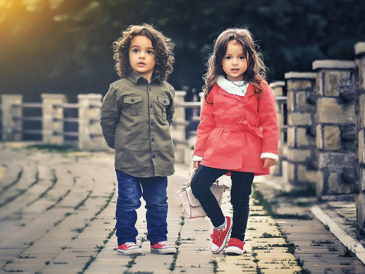 Ubrania dla chłopców na każdą okazję. Gdzie je kupować?