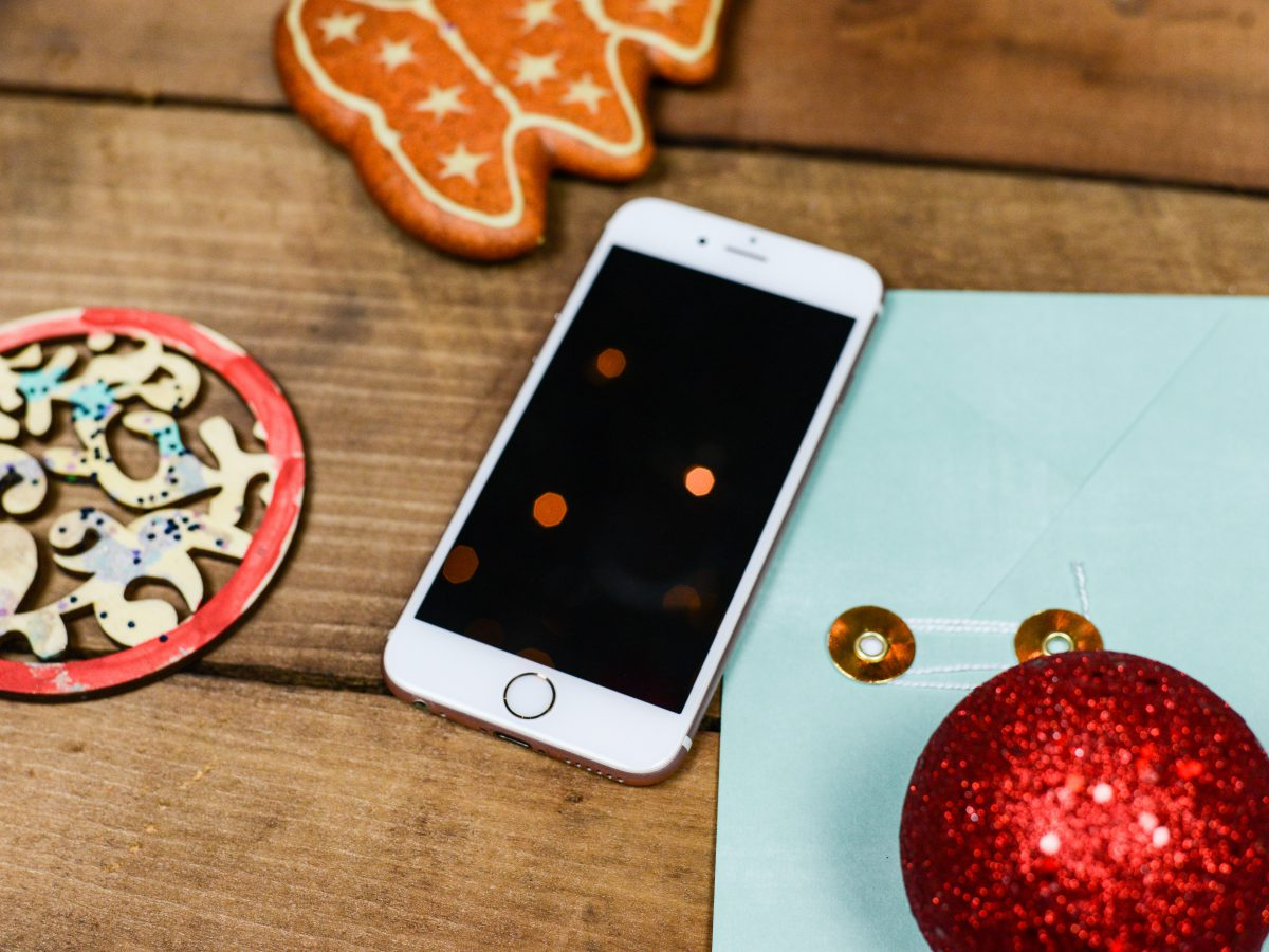 Recenzja smartfona Apple iPhone 12 128GB – jak sprawdza się w akcji?
